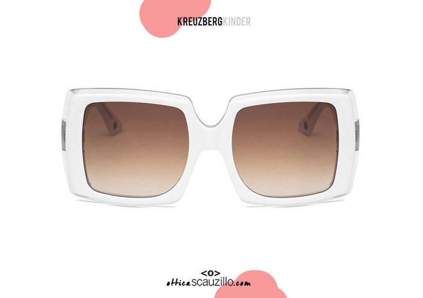 shop online Oversized sunglasses KreuzbergKinder BRIGITTE  col. White on otticascauzillo.com acquisto online nuovo Occhiale da sole oversize KreuzbergKinder BRIGITTE col. bianco