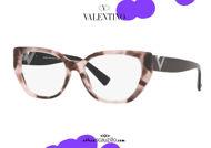 shop online new Narrow butterfly eyeglasses with spotted pink Valentino VA3037 col.5067 pink on otticascauzillo.com acquisto online nuovo Occhiale da vista a farfalla stretto maculato rosa Valentino VA3037 col.5067 rosa