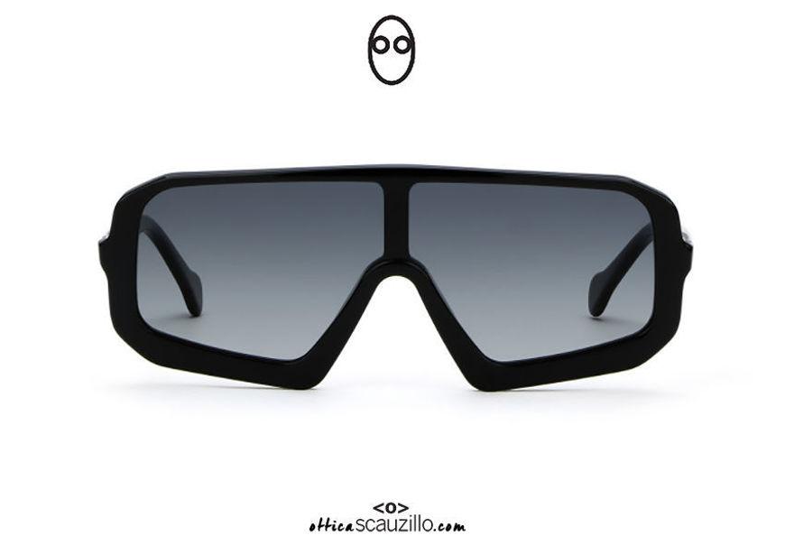 acquisto online nuovo Occhiale da sole a mascherina oversize Saturnino Eyewear BEN col. 1B nero su otticascauzillo.com shop online new Saturnino Eyewear BEN oversized mask sunglasses col. 1B black