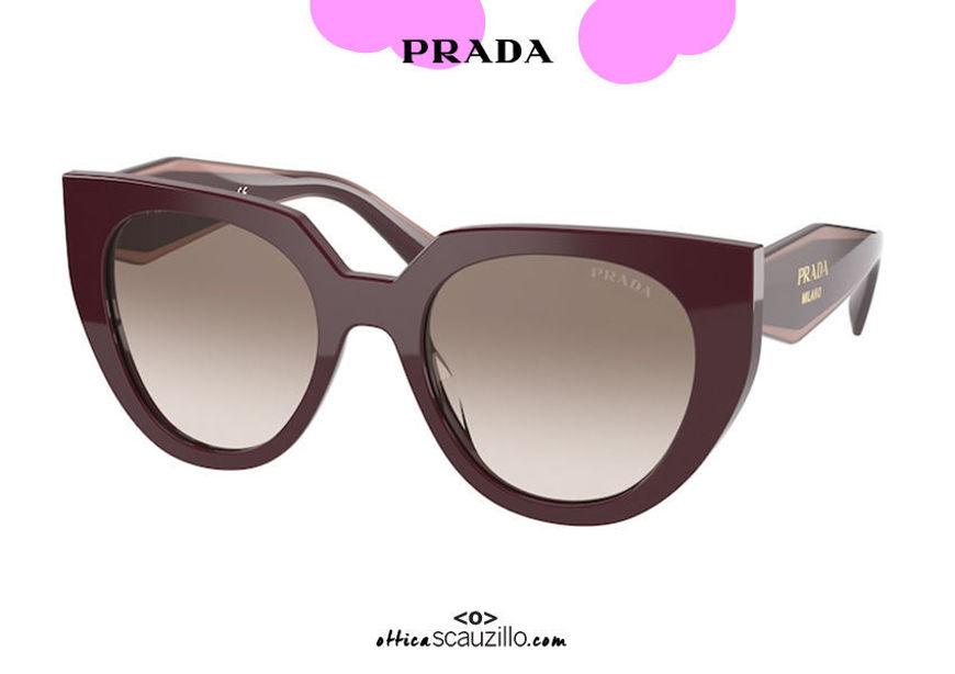 shop online on otticascauzillo.com your new Round pointed oversized sunglasses PRADA SPR 14W col. burgundy on otticascauzillo.com  acquisto online nuovo  Occhiale da sole tondo a punta oversize PRADA SPR 14W col. bordeaux