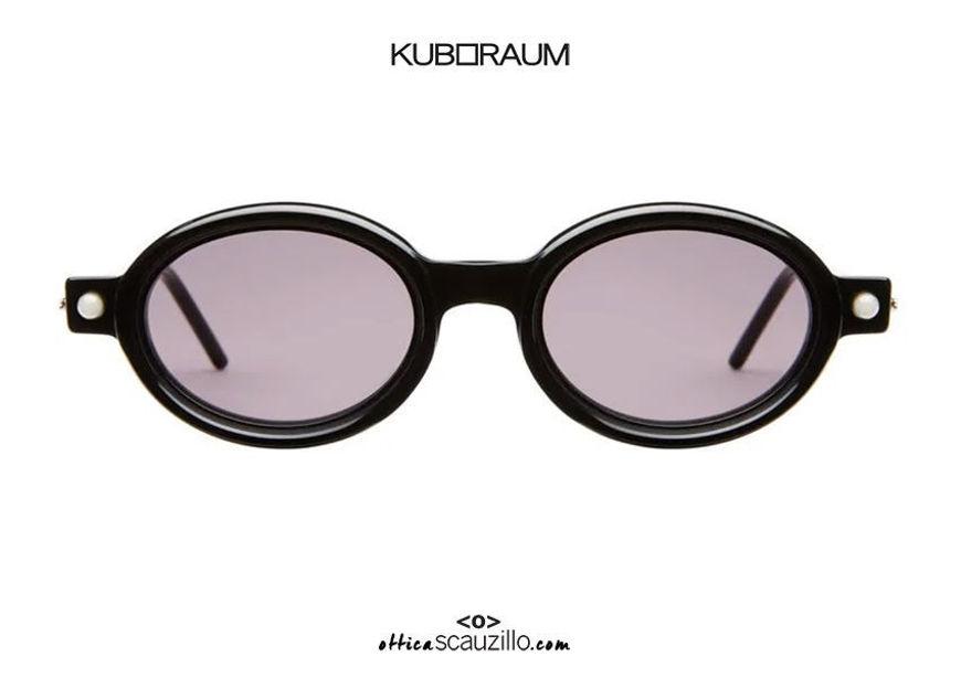shop online new Narrow oval cylinder temples sunglasses KUBORAUM Mask P6 black shiny on otticascauzillo.com acquisto online nuovo  Occhiale da sole ovale stretto aste a cilindro KUBORAUM Mask P6 nero lucido