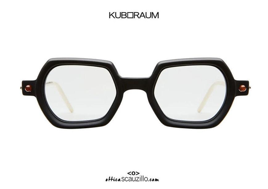 shop online new Sunglasses hexagon cylinder auctions KUBORAUM Mask P3 black satin on otticascauzillo.com acquisto online nuovo Occhiale da sole esagono asta a cilindro KUBORAUM Mask P3 nero satinato