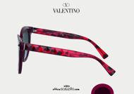 Acquista online su otticascauzillo.com il tuo nuovo occhiale da sole tondo in acetato Valentino VA 4083 col. bordeaux / havana