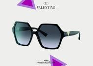 Acquisto online su otticascauzillo.com il tuo nuovo occhiale da sole esagonale in acetato VLOGO SIGNATURE VA 4088 col. 09D nero / nero sfumato.