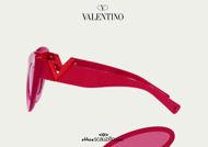 Acquista online su otticascauzillo.com il tuo nuovo occhiale da sole cat - eye in acetato VLOGO SIGNATURE Valentino VA 4090 col. 71K rosso