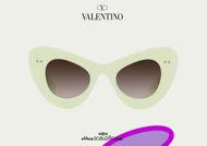 Acquista online su otticascauzillo.com il tuo nuovo occhiale da sole cat - eye in acetato VLOGO SIGNATURE Valentino VA 4090 col. 71Z avorio