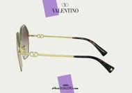 Acquista online su otticascauzillo.com il nuovo occhiale da sole esagonale in metallo VLOGO SIGNATURE Valentino VA 2044 col. KK5 oro.