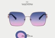 Acquista online su otticascauzillo.com il tuo nuovo occhiale da sole squadrato in metallo VLOGO SIGNATURE cristalli Valentino VA 2041 col. 299 oro