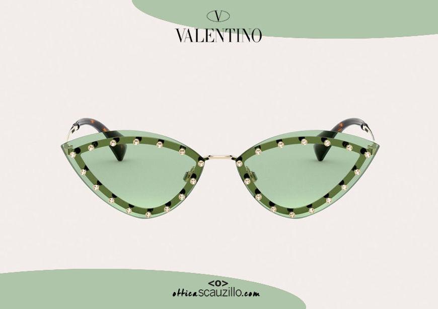 Acquisto online su otticascauzillo.com nuovo occhiale da sole a punta con strass Valentino VA2033 col. 05Y green