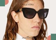 Acquista online su otticascauzillo.com il tuo nuovo occhiale da sole cat - eye in acetato VLOGO SIGNATURE Valentino VA 4073 col. 018 nero - grigio sfumato