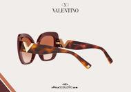 Acquista online su otticascauzillo.com il tuo nuovo occhiale da sole cat - eye in acetato Valentino VA 4057A col. GLB bordeaux