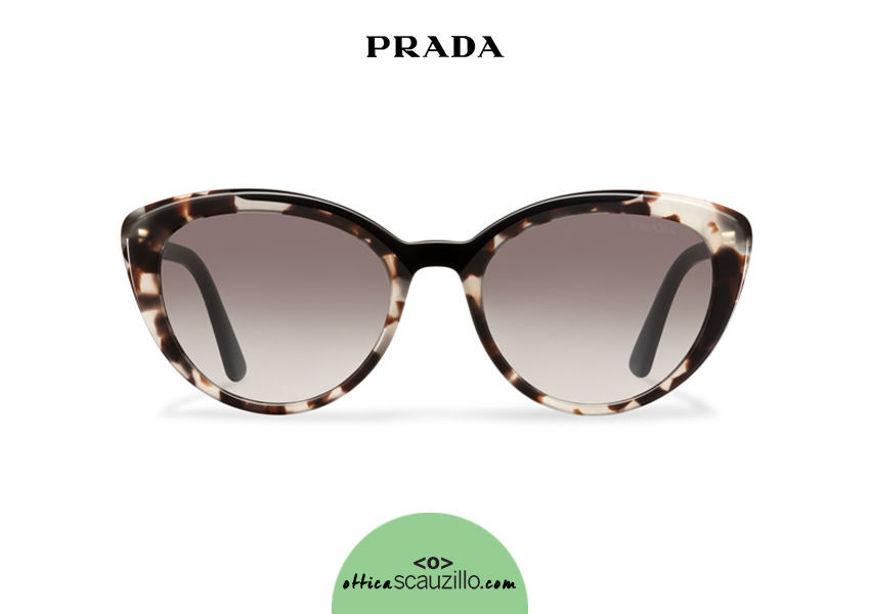 Acquista online su otticascauzillo.com il tuo nuovo occhiale da sole cat eye oversize acetato PRADA SPR 02V
