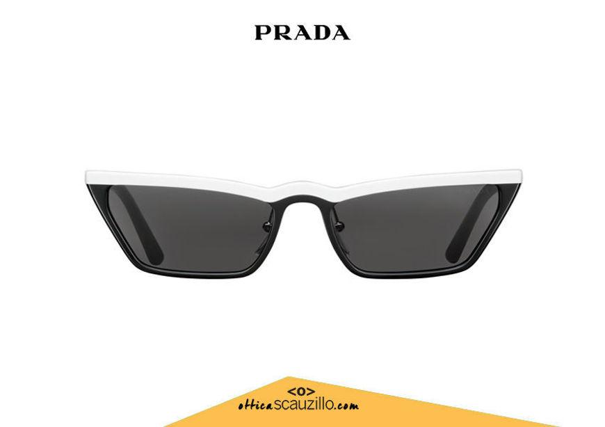 Acquista online su otticascauzillo.com il tuo nuovo occhiale da sole rettangolare stretto acetato PRADA SPR 19U col. nero + bianco