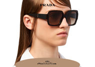Acquista online su otticascauzillo.com il tuo nuovo occhiale da sole squadrato acetato oversize PRADA SPR 21X col. tartaruga