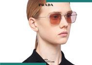Acquista online su otticascauzillo.com il tuo nuovo occhiale da sole rettangolare metallo PRADA SPR 54W col. piombo satinato titanio