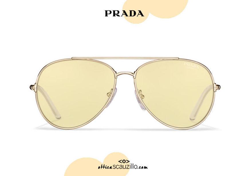 Acquista online su otticascauzillo.com il tuo nuovo occhiale da sole aviator metallo PRADA SPR 66X col. oro pallido + soleil