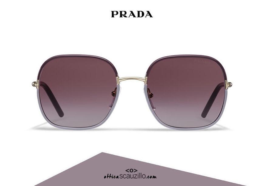 Acquista online su otticascauzillo.com il tuo nuovo occhiale da sole squadrato metallo PRADA SPR 67X col. prugna + glicine