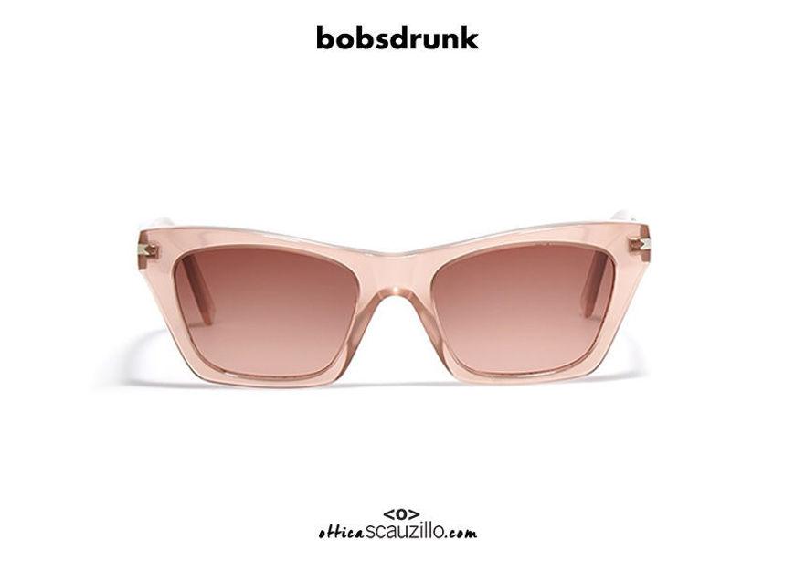Acquista online su otticascauzillo.com il tuo nuovo occhiale da sole Cassandra pink