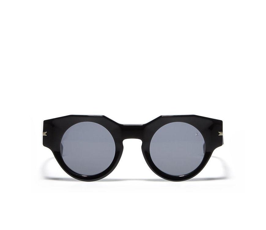 Acquista online su otticascauzillo.com il tuo nuovo occhiale da sole  Alfonso black