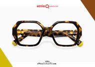 Acquista online su otticascauzillo.com il tuo nuovo occhiale da vista esagono Etnia Barcelona MAMBO RX2 col. HVBK