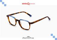 Acquista online su otticascauzillo.com il tuo nuovo occhiale da vista rettangolare Etnia Barcelona in acetato FUJUR col. HVBL