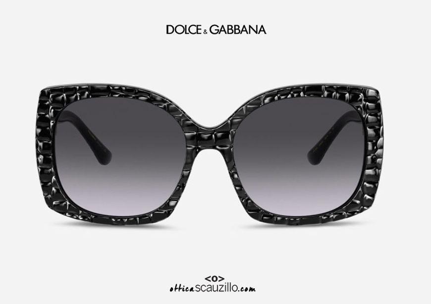 shop online new Oversized sunglasses DG4385 col.32888G black coconut texture on otticascauzillo.com acquisto online nuovo Occhiale da sole oversize DG4385 col.32888G nero texture cocco